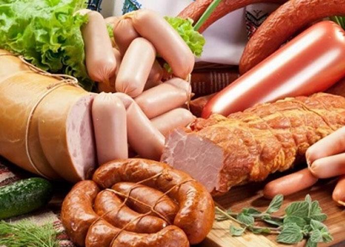 Bạn nên tránh các món chế biến sẵn vì nó chứa rất nhiều hàm lượng Cholesterol